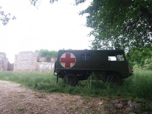 Vojno sanitetsko vozilo na kt 4 - Romulijana i cilju malog maratona