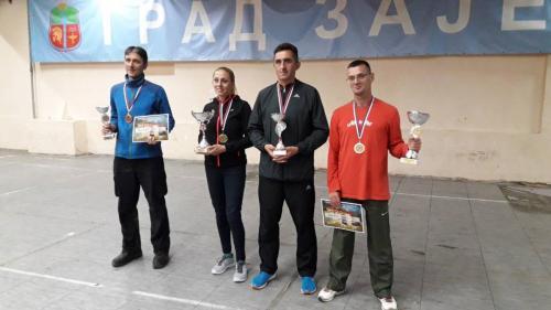 S5 - pobednici u muškoj konkurenciji i 1. mesto u ženskoj