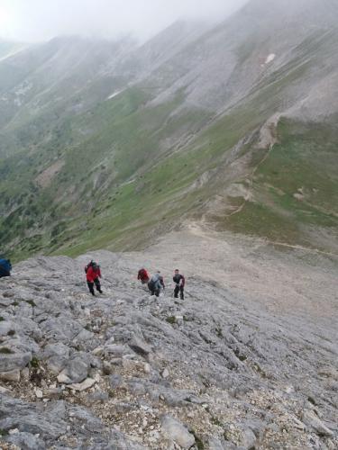 Silazak sa Vihrena niz severnu stenu i staza ka vrhu Kutelo